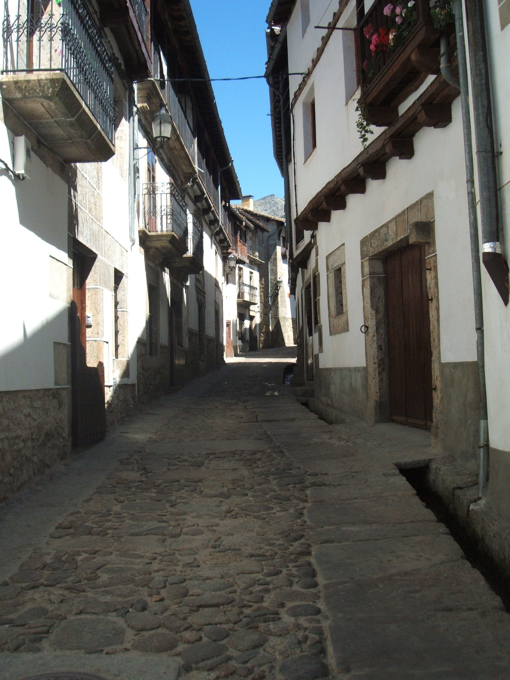 Típica calle de Candelario