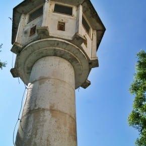 Torre de vigilancia en el Muro de Berlín