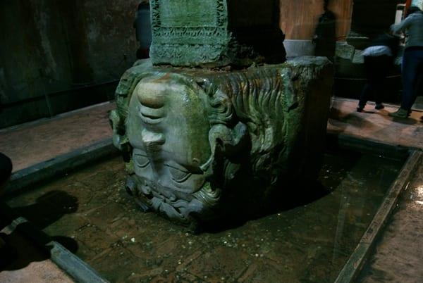 Cisterna Basílica y la Medusa, Estambul
