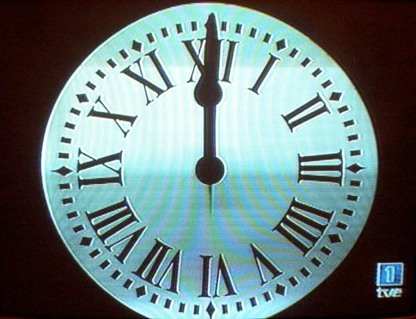 Nochevieja en la puerta del sol madrid meridiano 180 for Fotos reloj puerta del sol madrid