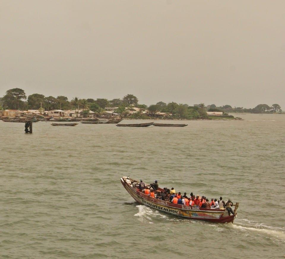 Cayuco Banjul Barra