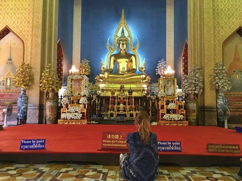 No soy muy creyente pero por si Buda podía hacer algo ¬¬
