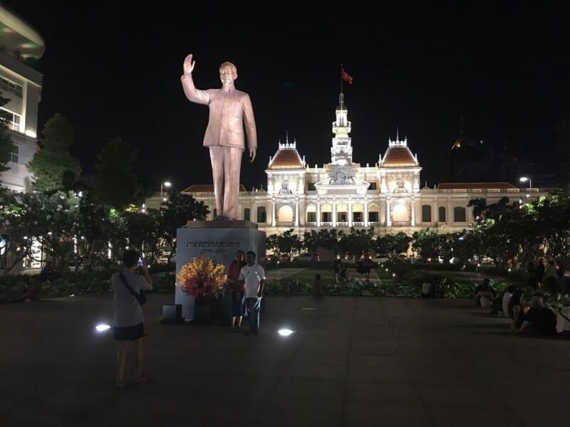 Escultura Ho Chi Minh